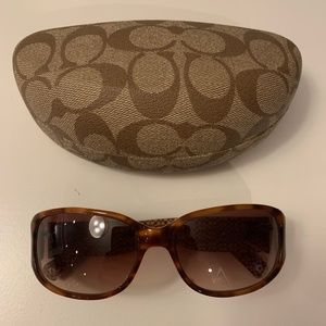Authentic Coach Sunglasses NWOT, w/ Case and Cloth